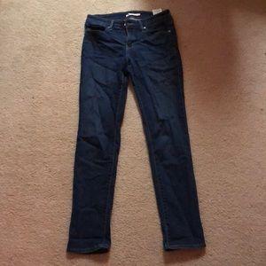 Levi's slim fit jeans size 29